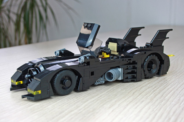 En place dans la Mini Batmobile LEGO 40433