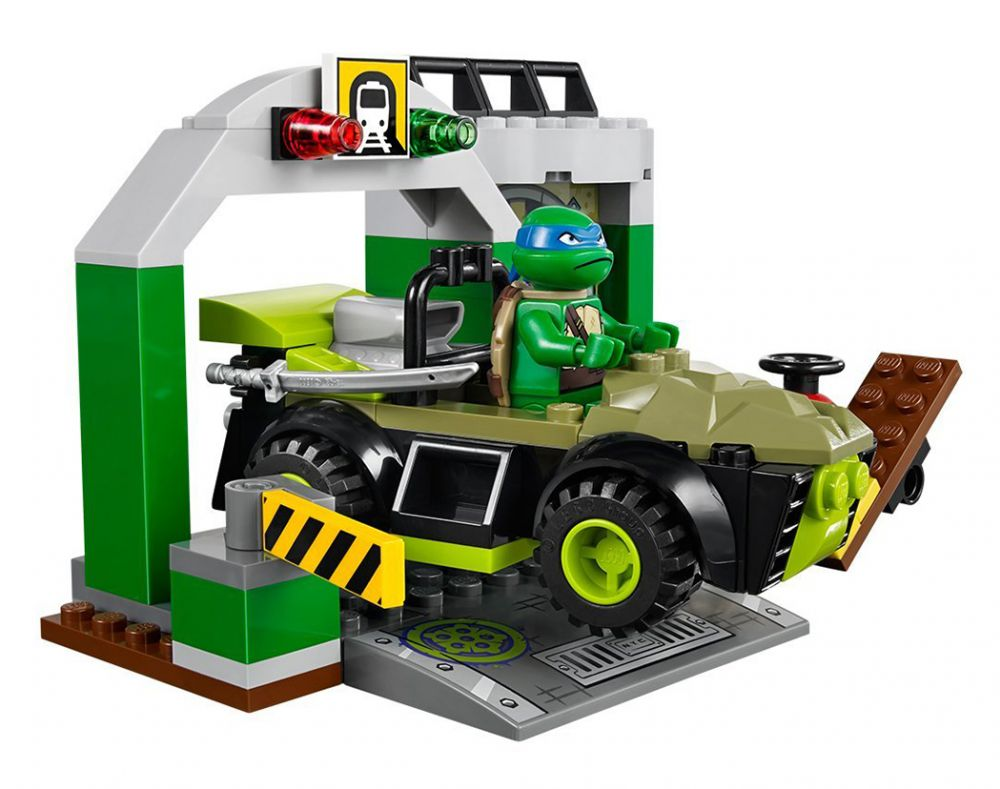 LEGO Juniors 10669 Pas Cher, Le Repaire Des Tortues Ninja