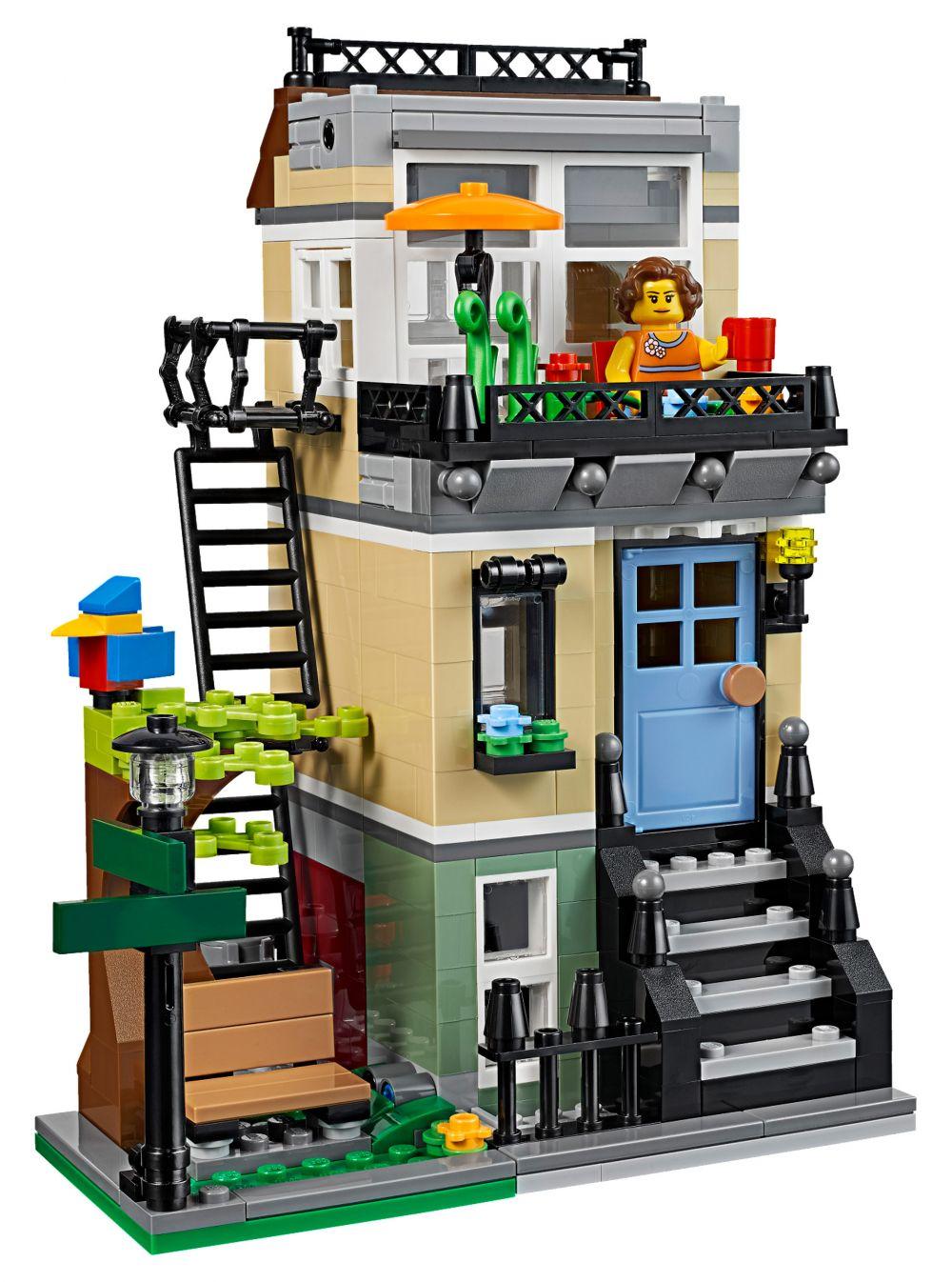 Lego creator 31065 pas cher la maison de ville - La maison de la piscine ...
