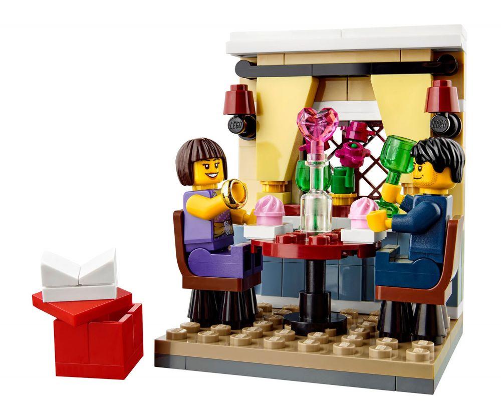 lego saisonnier 40120 pas cher le d ner de la saint valentin. Black Bedroom Furniture Sets. Home Design Ideas