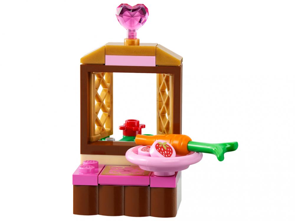 Lego disney 41060 pas cher la chambre de la belle au for Bois de la chambre
