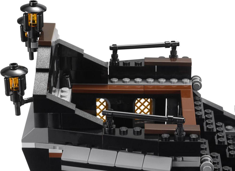 lego pirates des cara bes 4184 pas cher le black pearl. Black Bedroom Furniture Sets. Home Design Ideas
