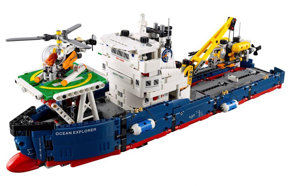 bateau d'exploration lego