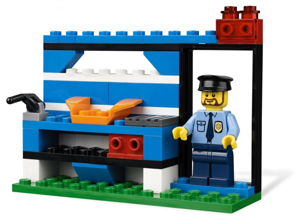 lego juniors 4636 pas cher set de construction lego police. Black Bedroom Furniture Sets. Home Design Ideas