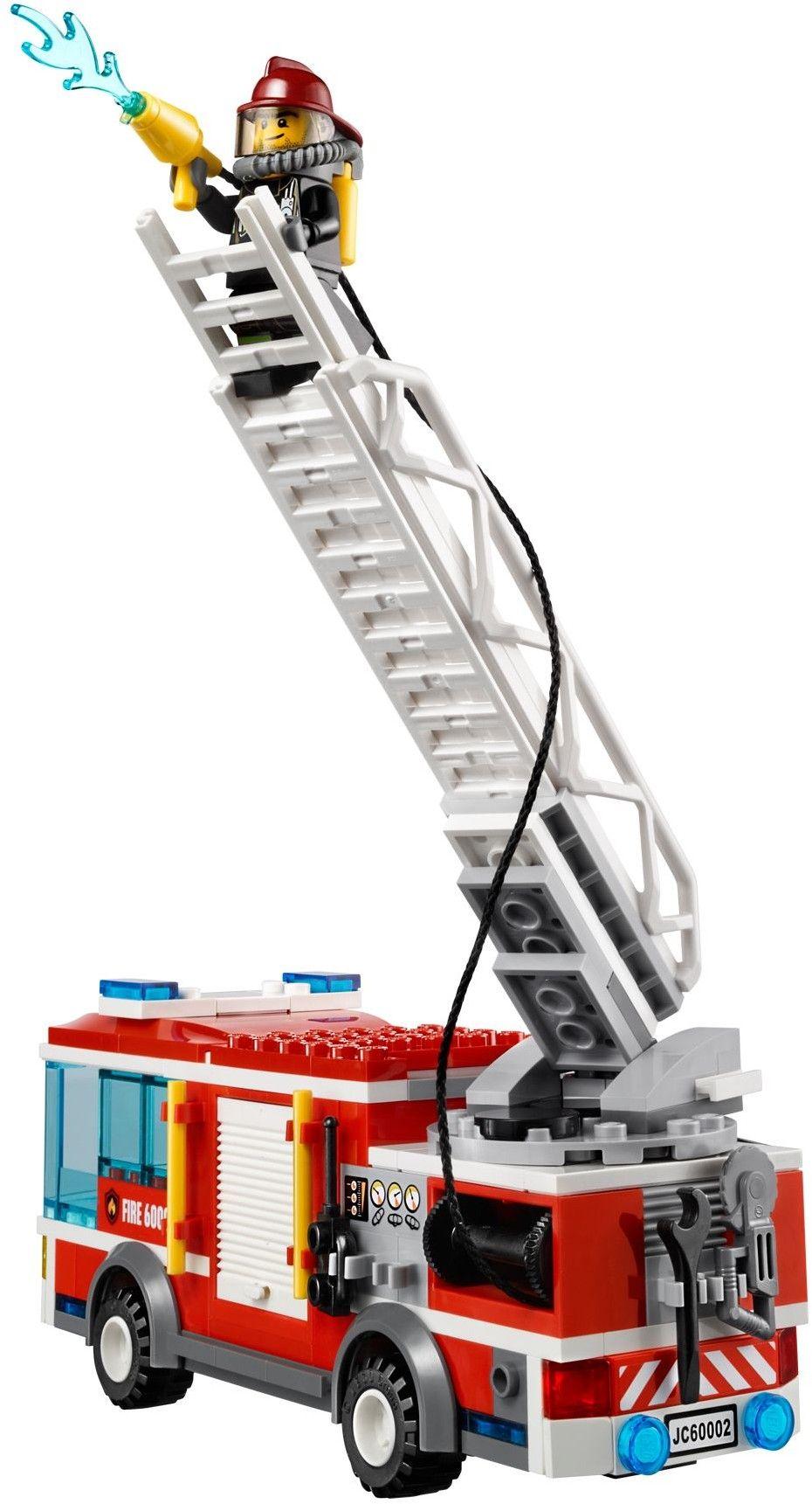 lego city 60002 pas cher le camion de pompier. Black Bedroom Furniture Sets. Home Design Ideas