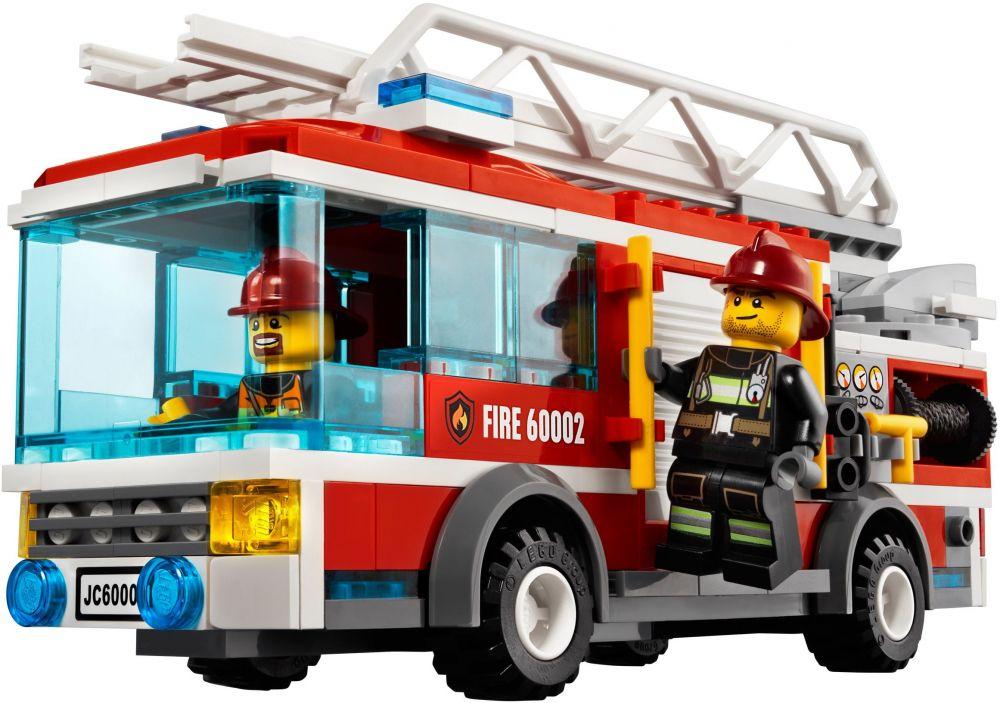 Lego city 60002 pas cher le camion de pompier - Image camion pompier ...