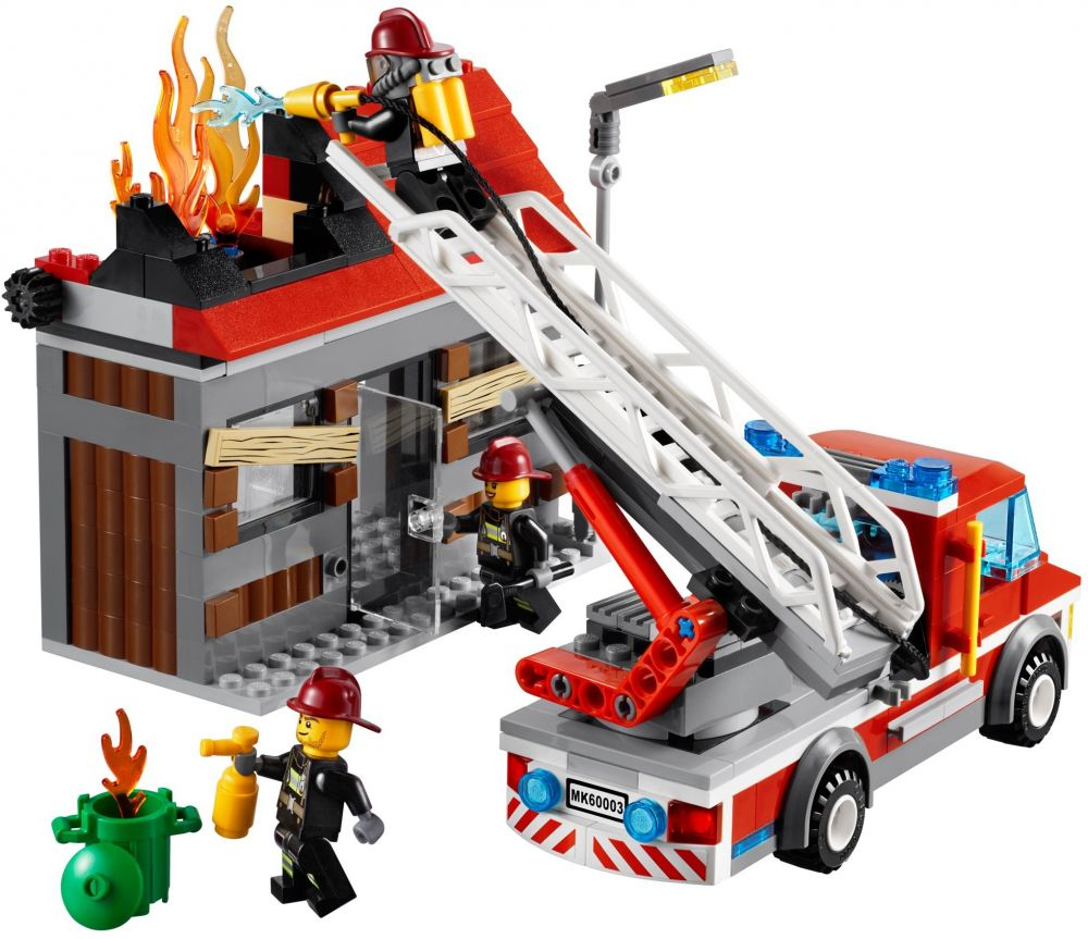 lego city 60003 pas cher l 39 intervention du camion de pompier. Black Bedroom Furniture Sets. Home Design Ideas