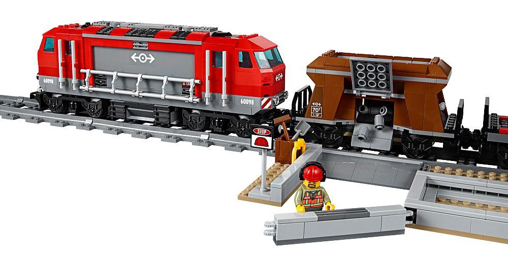 lego city 60098 pas cher le train de marchandises rouge. Black Bedroom Furniture Sets. Home Design Ideas