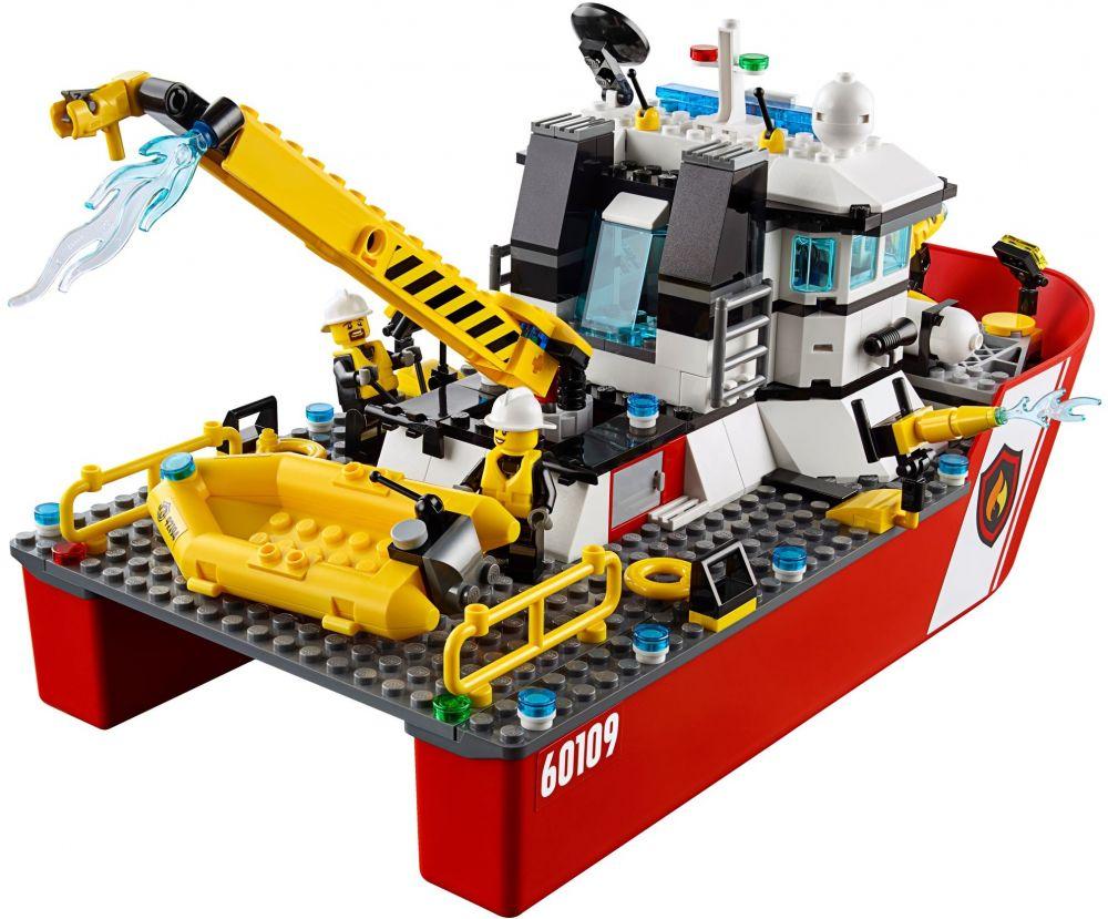 lego city 60109 le bateau de pompiers