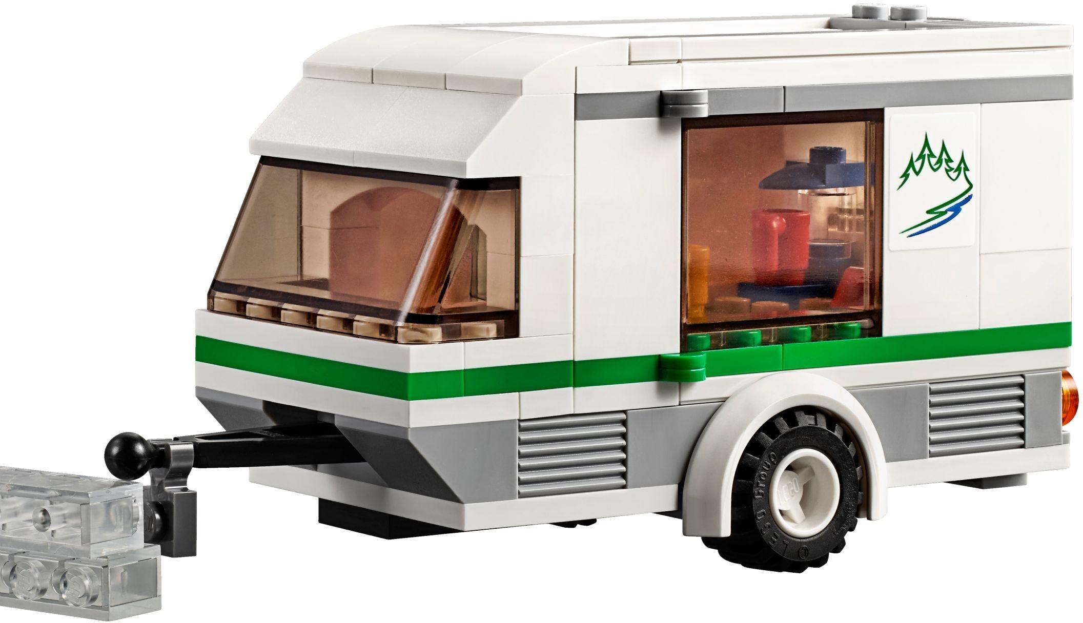 lego city 60117 pas cher la camionnette et sa caravane. Black Bedroom Furniture Sets. Home Design Ideas
