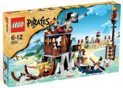LEGO Pirates 6253 Le repaire des pirates