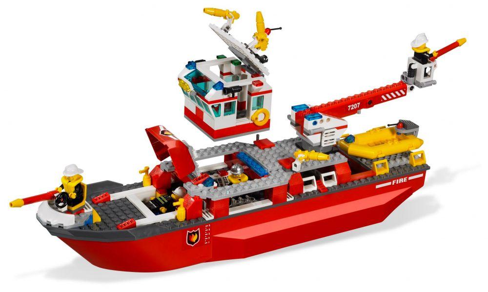 lego city 7207 pas cher le bateau des pompiers. Black Bedroom Furniture Sets. Home Design Ideas
