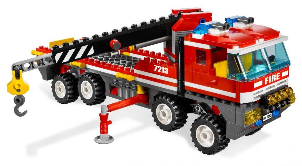 lego city 7213 pas cher le camion tout terrain et le bateau des pompiers. Black Bedroom Furniture Sets. Home Design Ideas