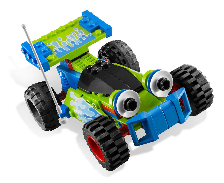 lego toy story 7590 pas cher la course en voiture de buzz et woody. Black Bedroom Furniture Sets. Home Design Ideas