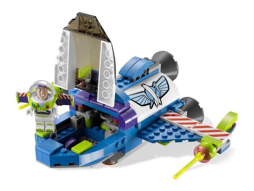 lego toy story 7593 pas cher le vaisseau spatial de buzz. Black Bedroom Furniture Sets. Home Design Ideas
