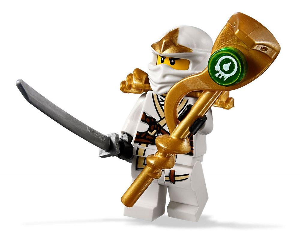 Lego ninjago 9440 pas cher le tombeau des venomari - Lego ninjago d or ...