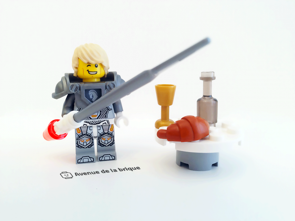 Photo 4 - Magazine N°1, LEGO Nexo Knights - Minifigurine de Lance