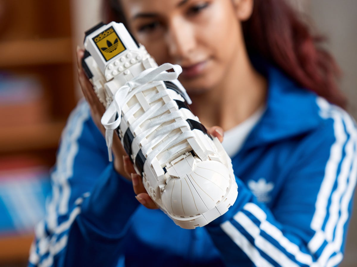 Nouveau LEGO 10282 Adidas Originals Superstar // Juillet 2021