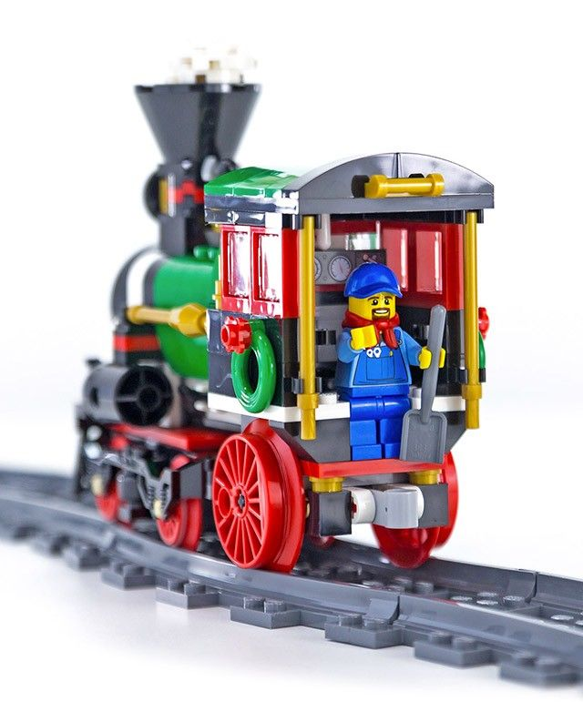La locomotive du LEGO Creator 10254 Le train de Noël