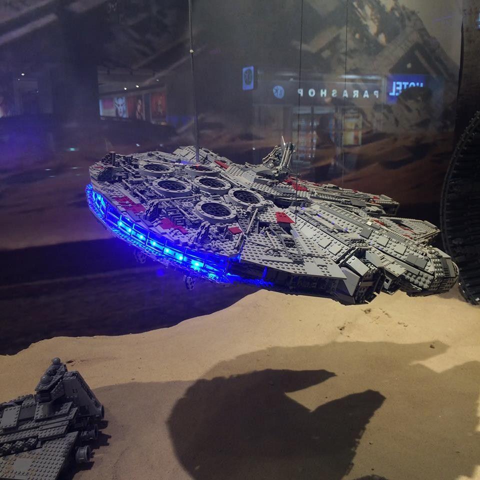 Vitrines Lego Star Wars Aux Galeries Lafayette