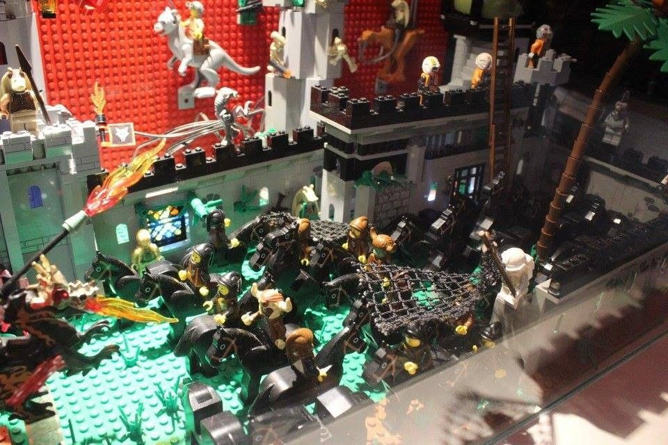 Vitrine Art of Brick Laser Game Alès
