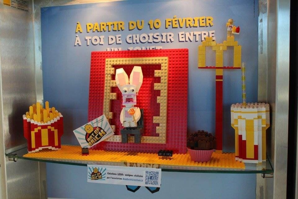 Vitrine Art of Brick Mc Donald Alès